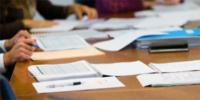 iStock_people_paperwork